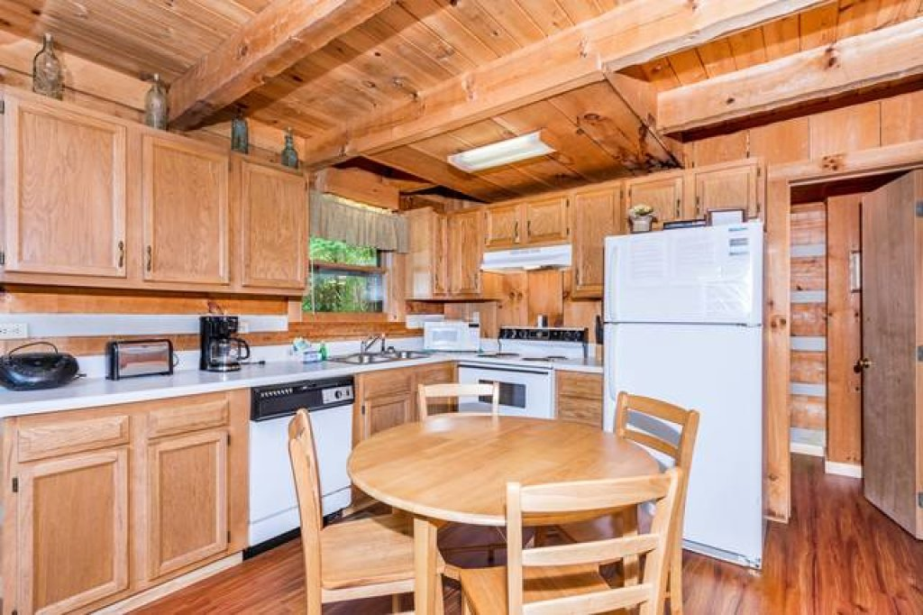 Photo of a Pigeon Forge Cabin named Simply Serene - 201 - This is the fourth photo in the set.
