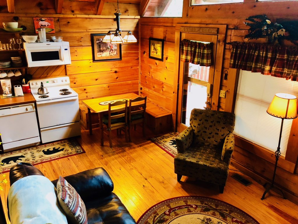 Photo of a Pigeon Forge Cabin named Secluded Escape - This is the eleventh photo in the set.