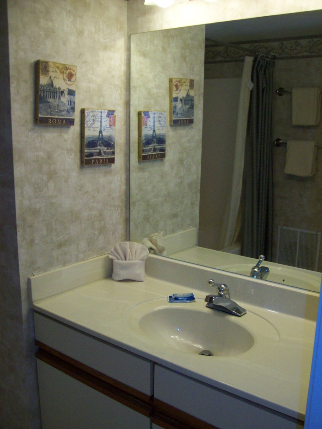 Photo of a Gatlinburg Condo named 4b - This is the second photo in the set.