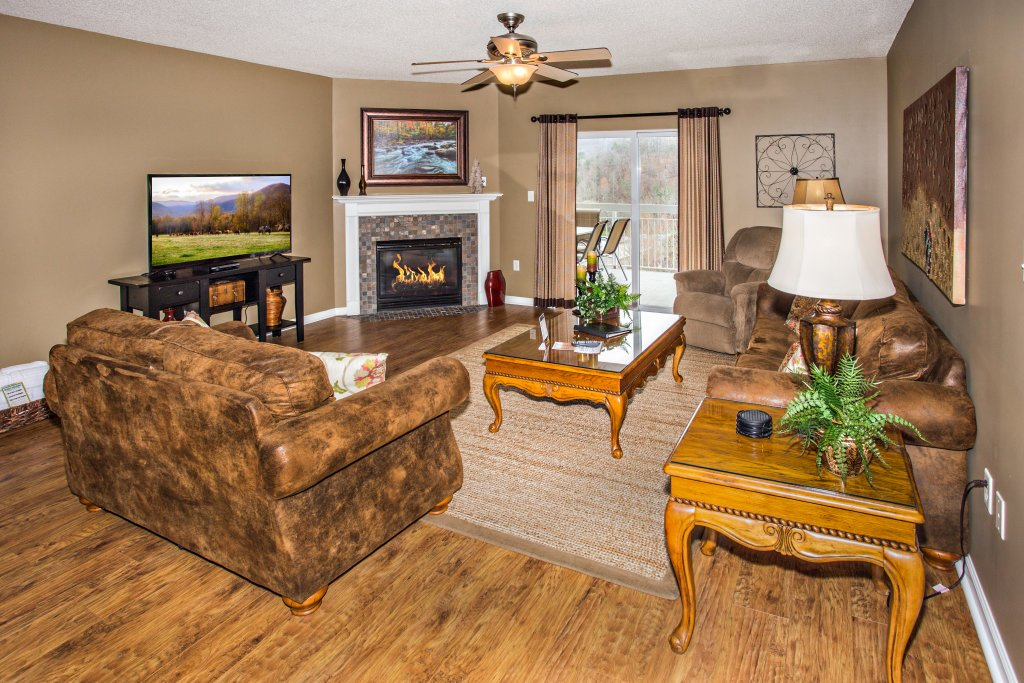 Photo of a Pigeon Forge Condo named Whispering Pines 544 - This is the first photo in the set.