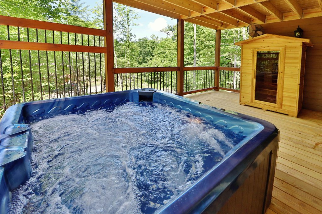 Photo of a Gatlinburg Cabin named Movie Dive-inn - This is the fourth photo in the set.