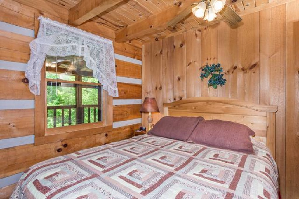 Photo of a Pigeon Forge Cabin named Simply Serene - 201 - This is the tenth photo in the set.