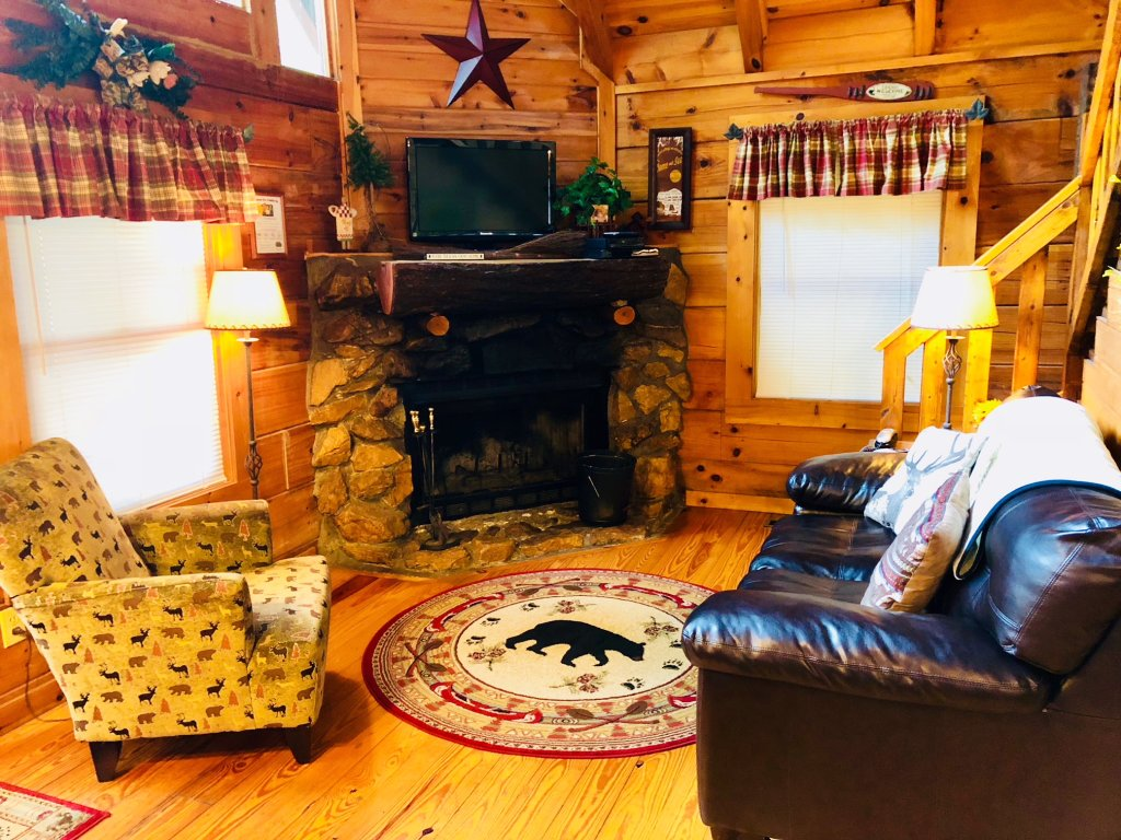 Photo of a Pigeon Forge Cabin named Secluded Escape - This is the thirteenth photo in the set.