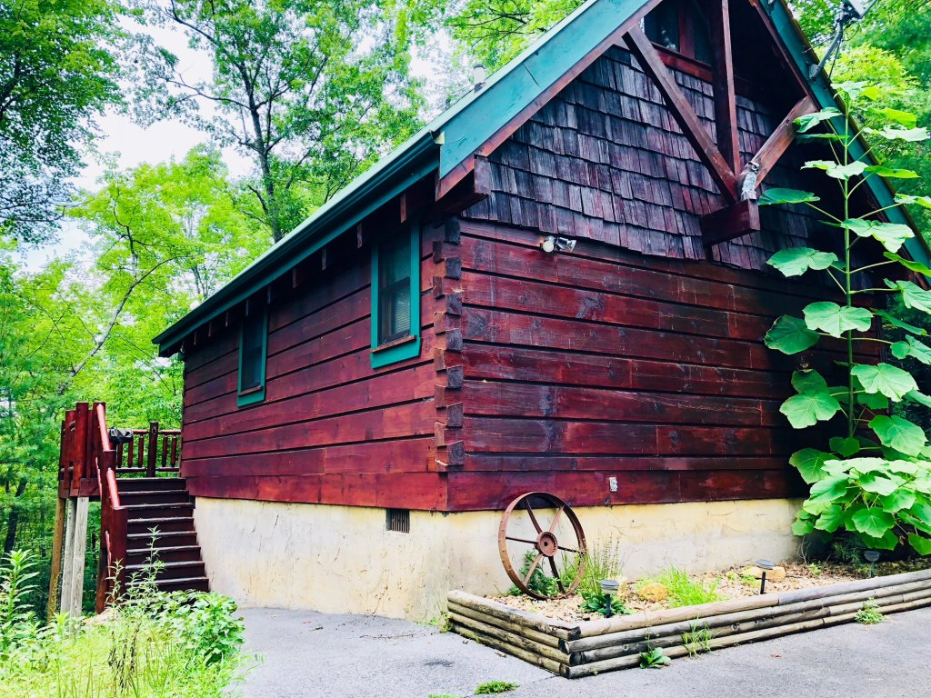 Photo of a Pigeon Forge Cabin named Secluded Escape - This is the first photo in the set.