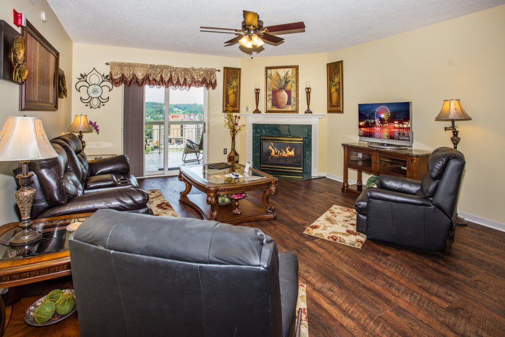 Photo of a Pigeon Forge Condo named Whispering Pines 212 - This is the fourteenth photo in the set.