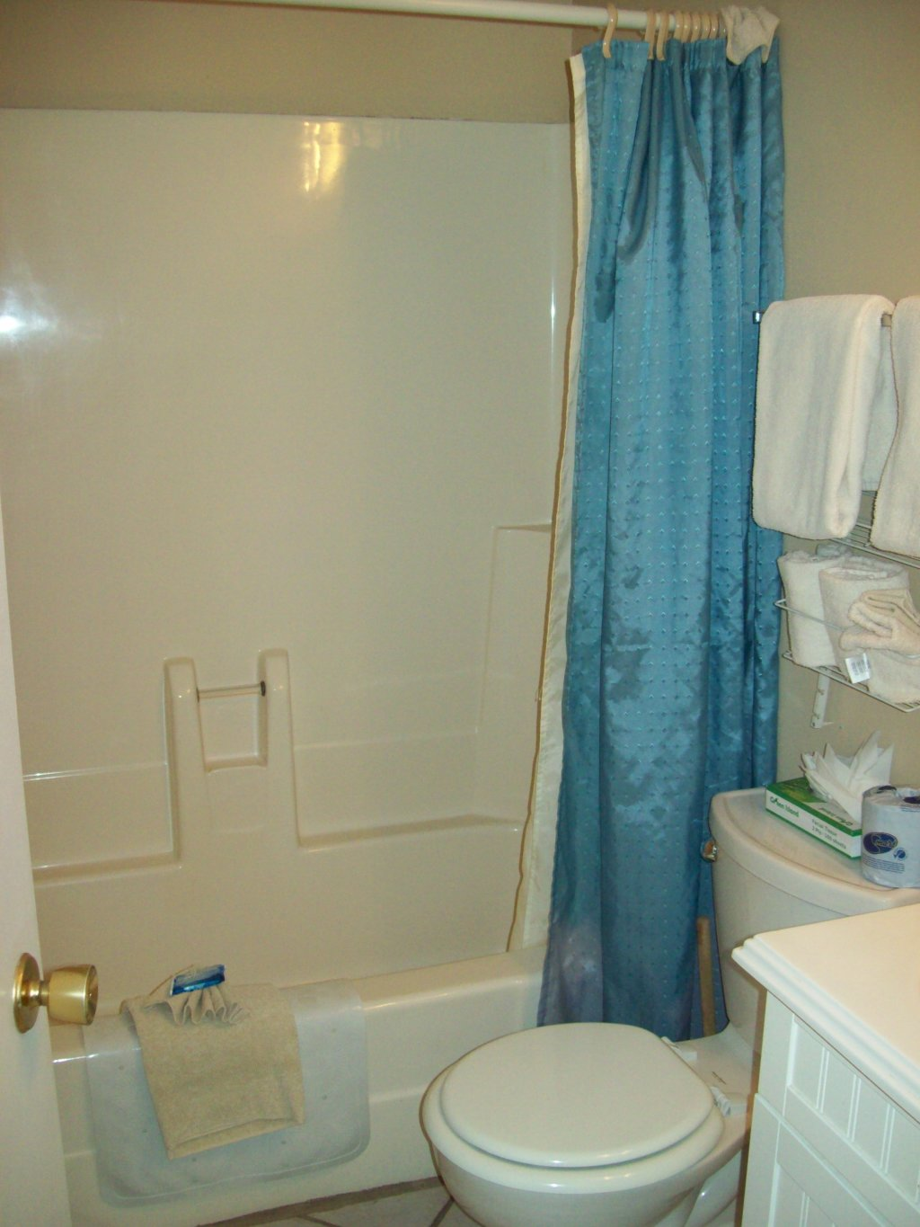 Photo of a Gatlinburg Condo named 413 - This is the fifth photo in the set.