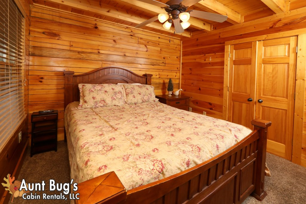 Photo of a Pigeon Forge Cabin named Dream Come True #555 - This is the eighth photo in the set.