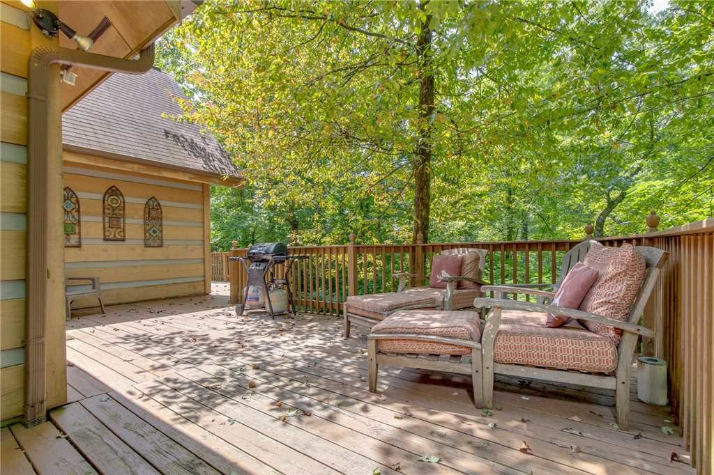 Photo of a Pigeon Forge Cabin named Bear Ridge - This is the seventeenth photo in the set.