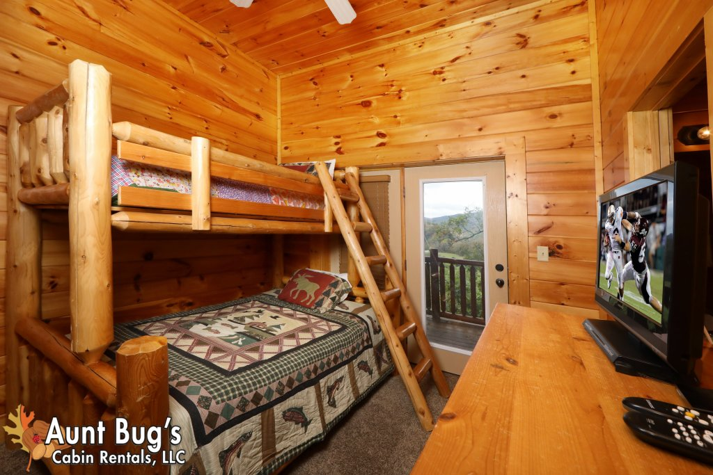 Photo of a Pigeon Forge Cabin named Dream Come True #555 - This is the fourteenth photo in the set.