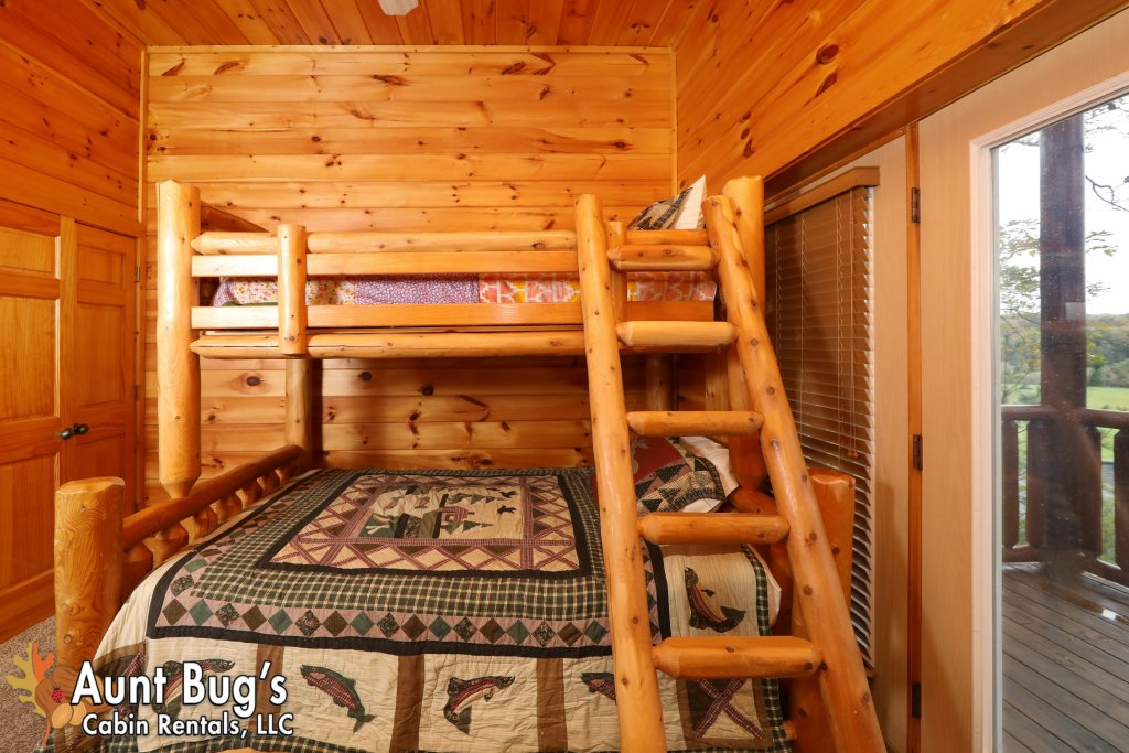 Photo of a Pigeon Forge Cabin named Dream Come True #555 - This is the twenty-fifth photo in the set.