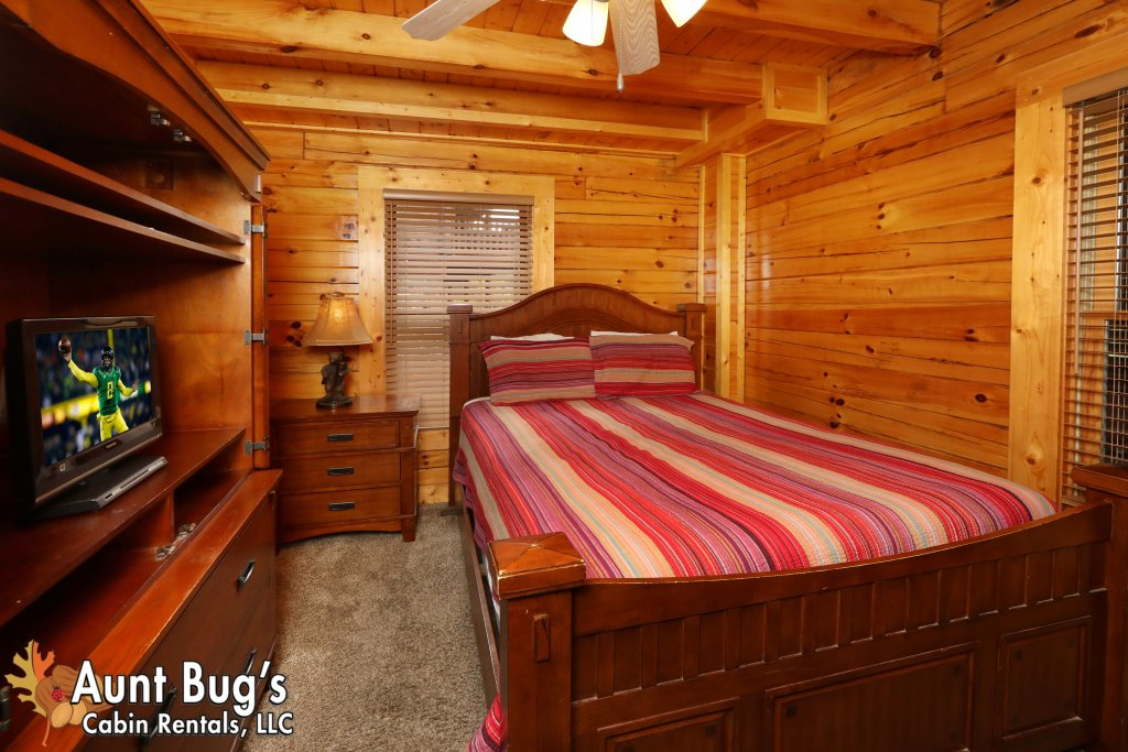 Photo of a Pigeon Forge Cabin named Dream Come True #555 - This is the twenty-ninth photo in the set.
