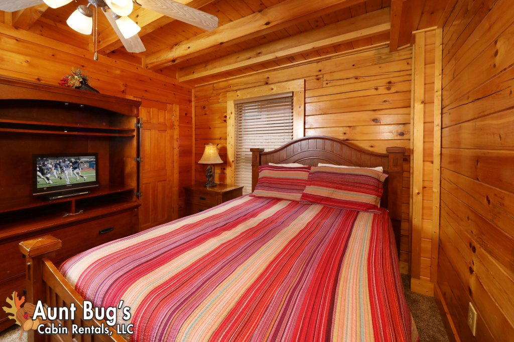 Photo of a Pigeon Forge Cabin named Dream Come True #555 - This is the thirty-first photo in the set.