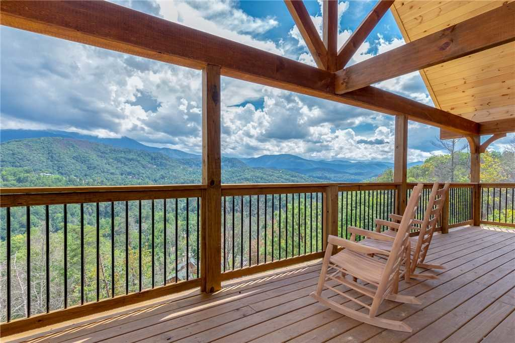 Photo of a Gatlinburg Cabin named All About The View - This is the third photo in the set.