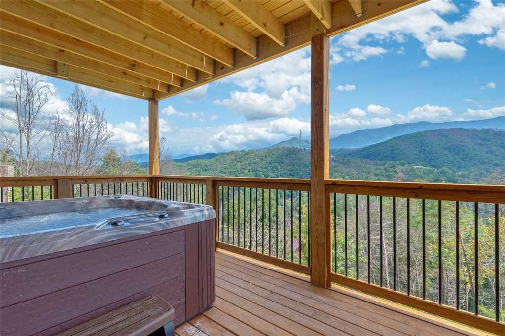 Photo of a Gatlinburg Cabin named All About The View - This is the thirty-fourth photo in the set.