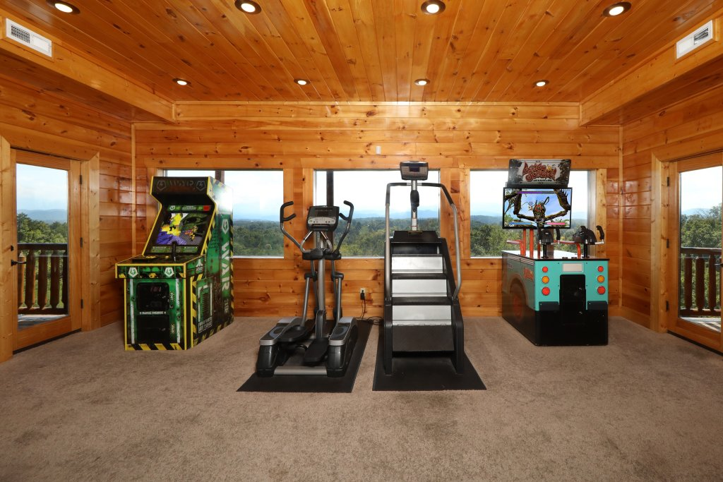 Photo of a Gatlinburg Cabin named Serenity Mountain Pool Lodge - This is the twenty-eighth photo in the set.