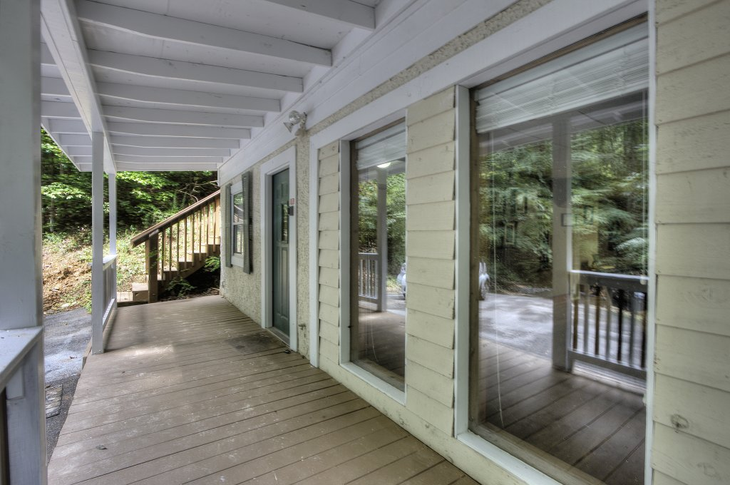 Photo of a Gatlinburg Cabin named Bear's Delight - 320 - This is the ninth photo in the set.