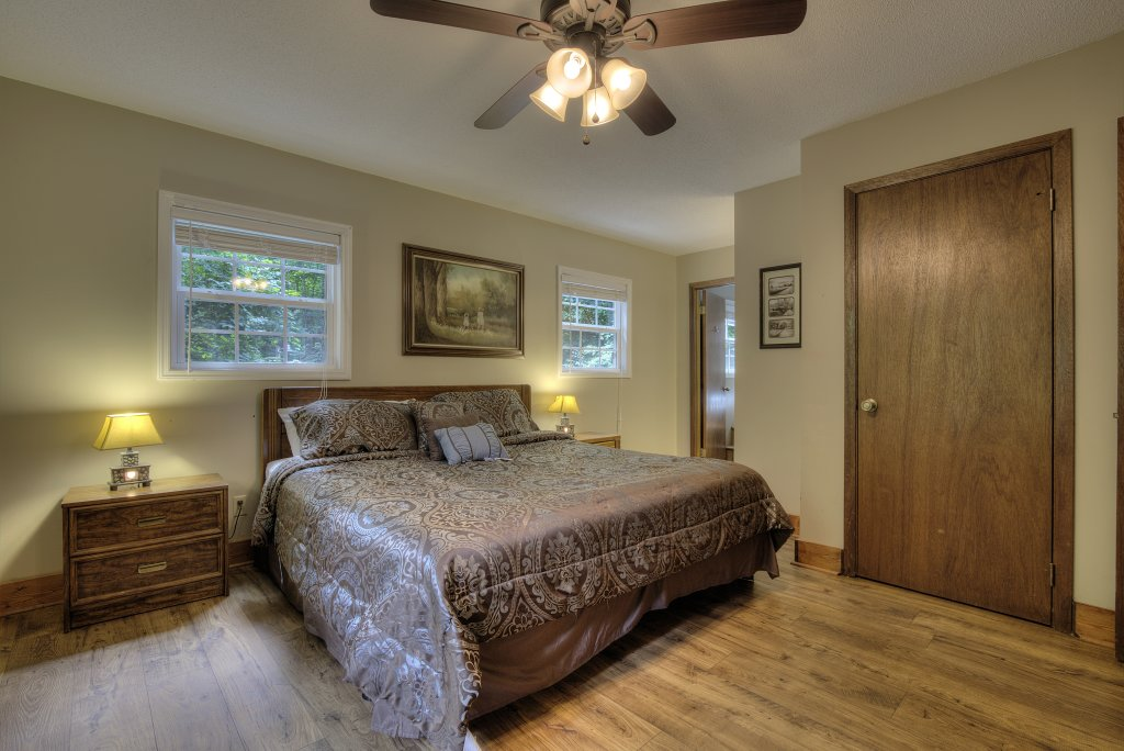 Photo of a Gatlinburg Cabin named Bear's Delight - 320 - This is the twenty-seventh photo in the set.