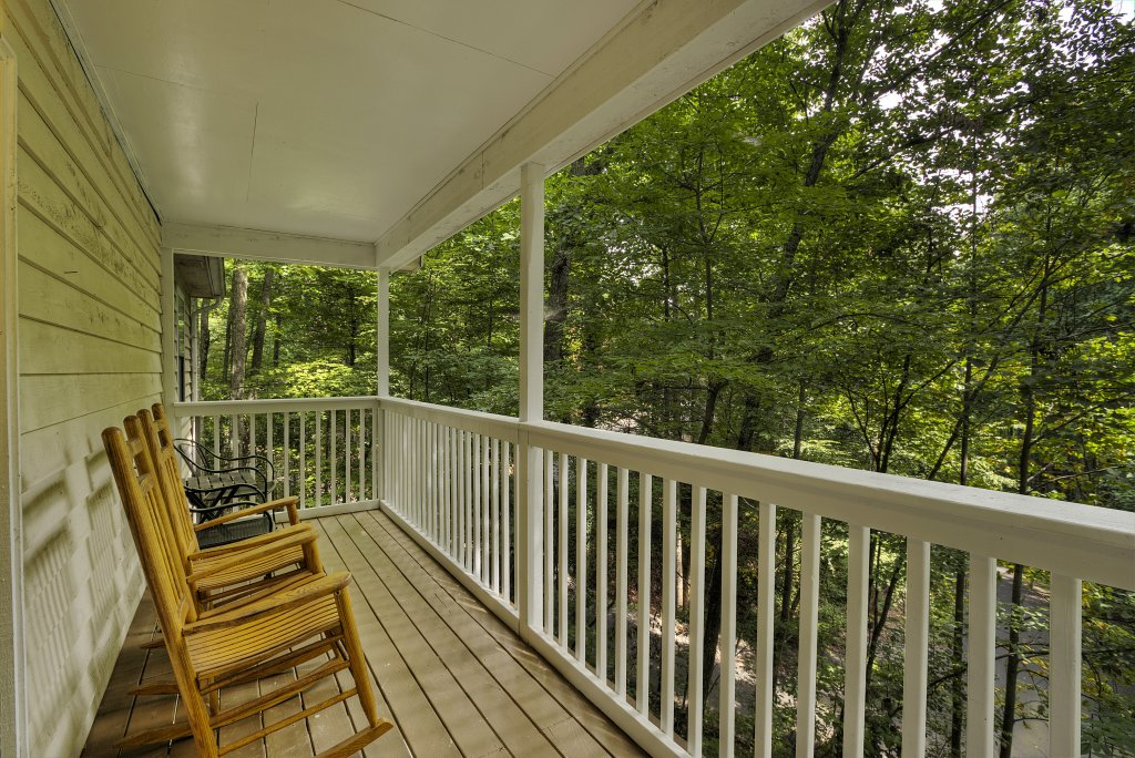 Photo of a Gatlinburg Cabin named Bear's Delight - 320 - This is the thirty-second photo in the set.