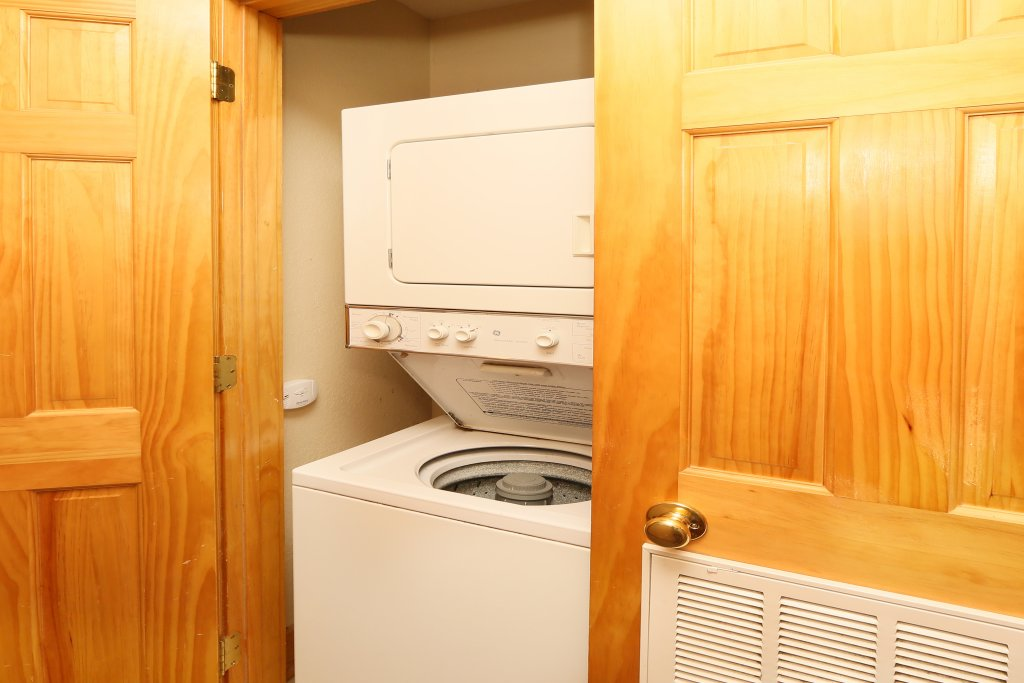 Photo of a Pigeon Forge Cabin named Pinnacle View 7b - This is the twenty-fifth photo in the set.