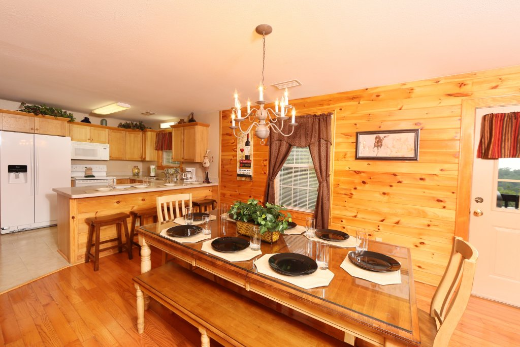 Photo of a Pigeon Forge Cabin named Pinnacle View 7b - This is the twenty-third photo in the set.
