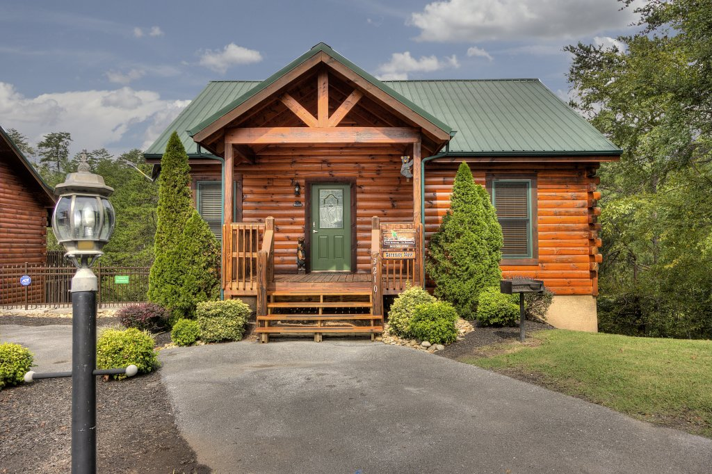 Photo of a Pigeon Forge Cabin named Serenity Now #370 - This is the first photo in the set.