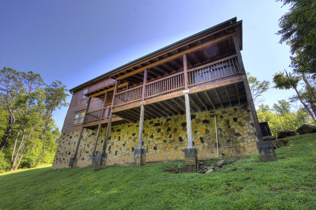 Photo of a Gatlinburg Cabin named Majestic Waters #575 - This is the sixtieth photo in the set.