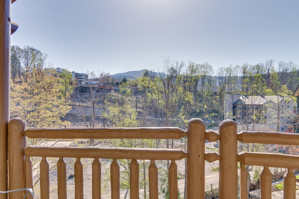 Photo of a Gatlinburg Condo named Baskins Creek 512 - This is the ninth photo in the set.