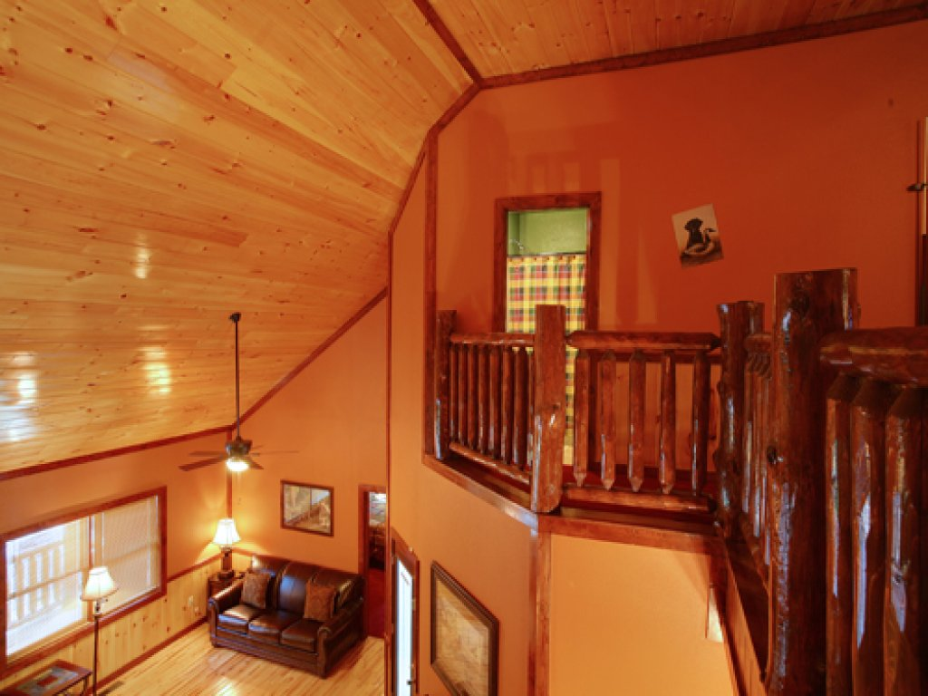 Photo of a Gatlinburg Cabin named Majestic Waters #575 - This is the fiftieth photo in the set.