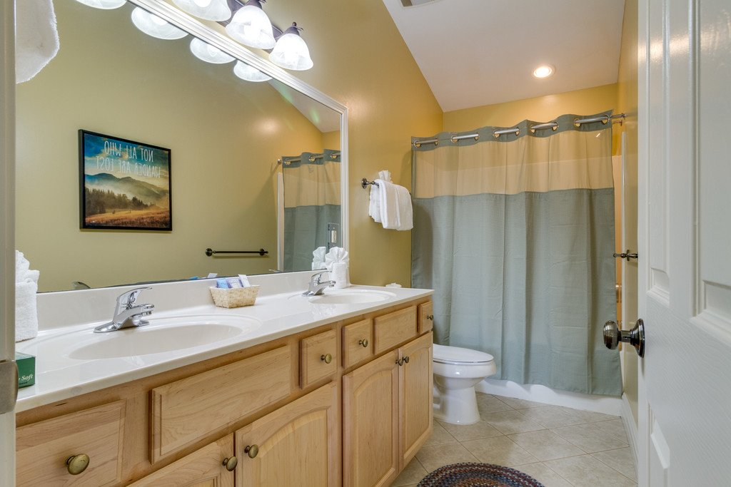 Photo of a Gatlinburg Condo named Baskins Creek 512 - This is the thirty-first photo in the set.