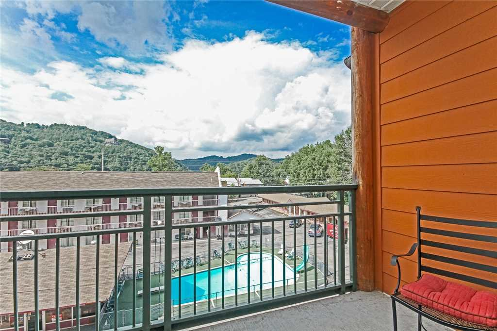 Photo of a Gatlinburg Condo named Baskins Creek 405 - This is the fifteenth photo in the set.