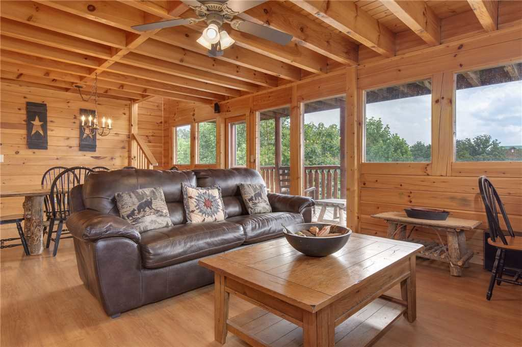 Photo of a Pigeon Forge Cabin named Starry Hope - This is the third photo in the set.