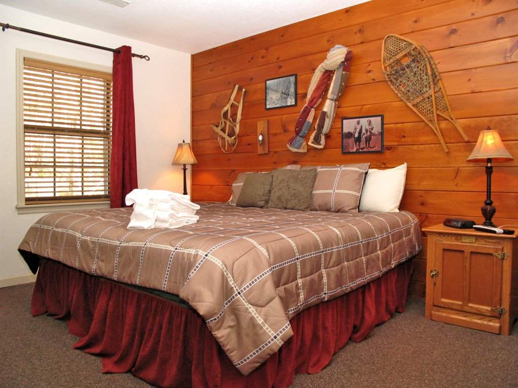 Photo of a Gatlinburg Cabin named Adventure Lodge - This is the fourteenth photo in the set.