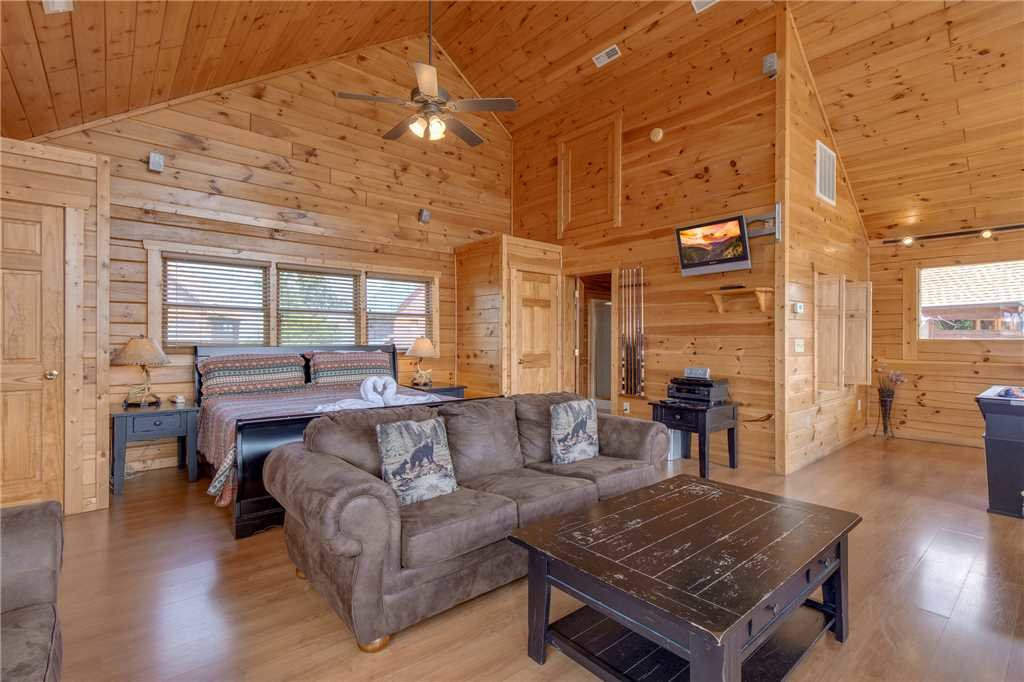 Photo of a Pigeon Forge Cabin named Starry Hope - This is the nineteenth photo in the set.