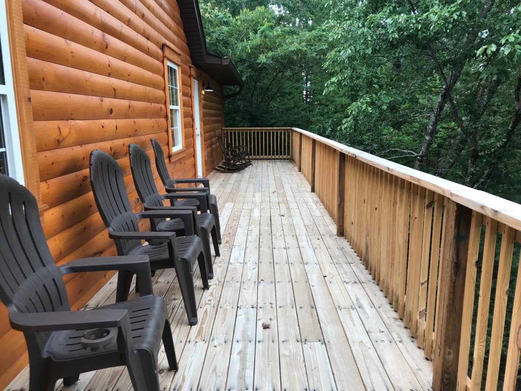 Photo of a Pigeon Forge Cabin named Black Bear Cinema 4819 - This is the seventy-fourth photo in the set.