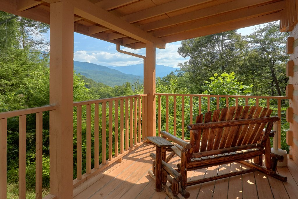 Photo of a Gatlinburg Cabin named Livin 'on Love - This is the third photo in the set.
