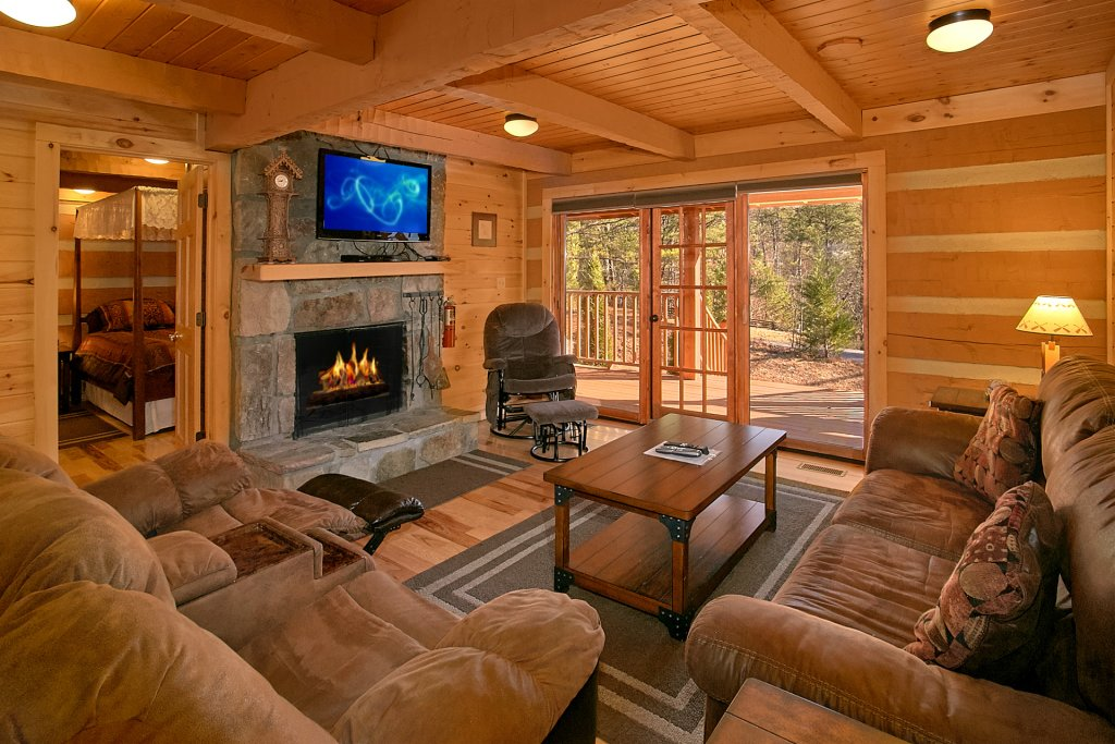 Photo of a Gatlinburg Cabin named Livin 'on Love - This is the sixth photo in the set.