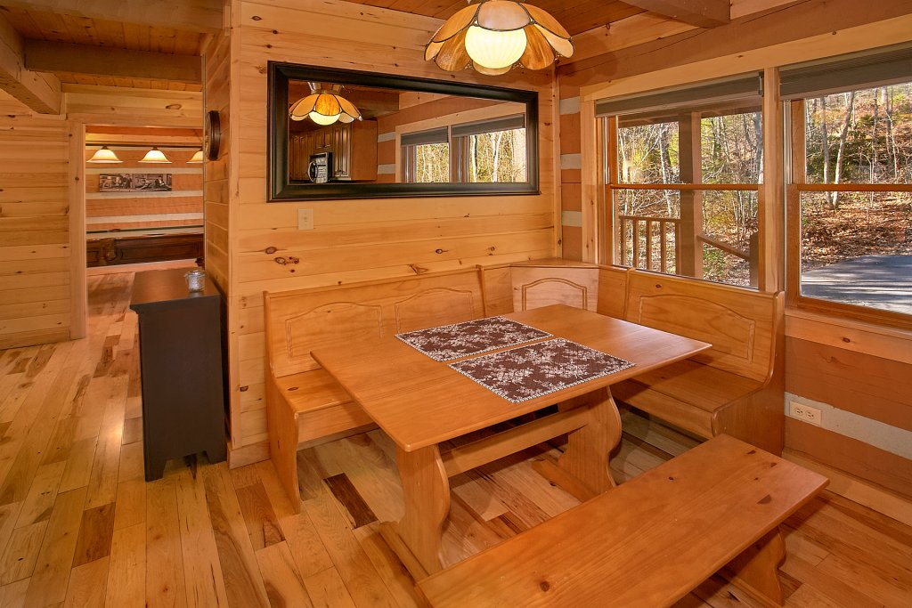 Photo of a Gatlinburg Cabin named Livin 'on Love - This is the seventh photo in the set.
