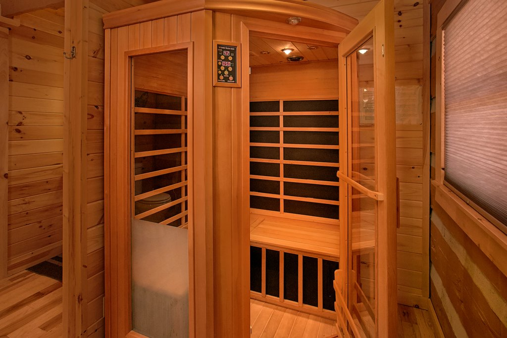 Photo of a Gatlinburg Cabin named Livin 'on Love - This is the thirteenth photo in the set.