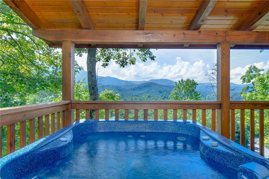 Photo of a Gatlinburg Cabin named Enchanted View Lodge - This is the second photo in the set.
