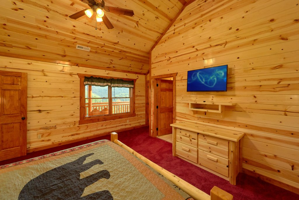 Photo of a Sevierville Cabin named Paradise Point Pool Lodge - This is the twentieth photo in the set.
