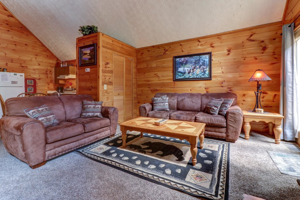 Photo of a Pigeon Forge Cabin named Cozy Bear Cabin - This is the twentieth photo in the set.