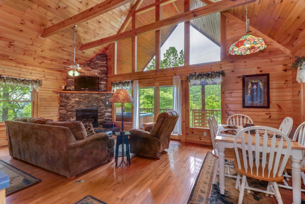 Photo of a Sevierville Cabin named Altitude Adjustment - This is the first photo in the set.