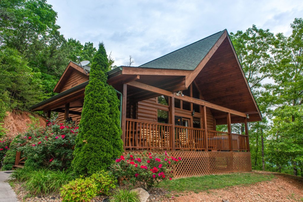 Photo of a Sevierville Cabin named Altitude Adjustment - This is the twenty-third photo in the set.
