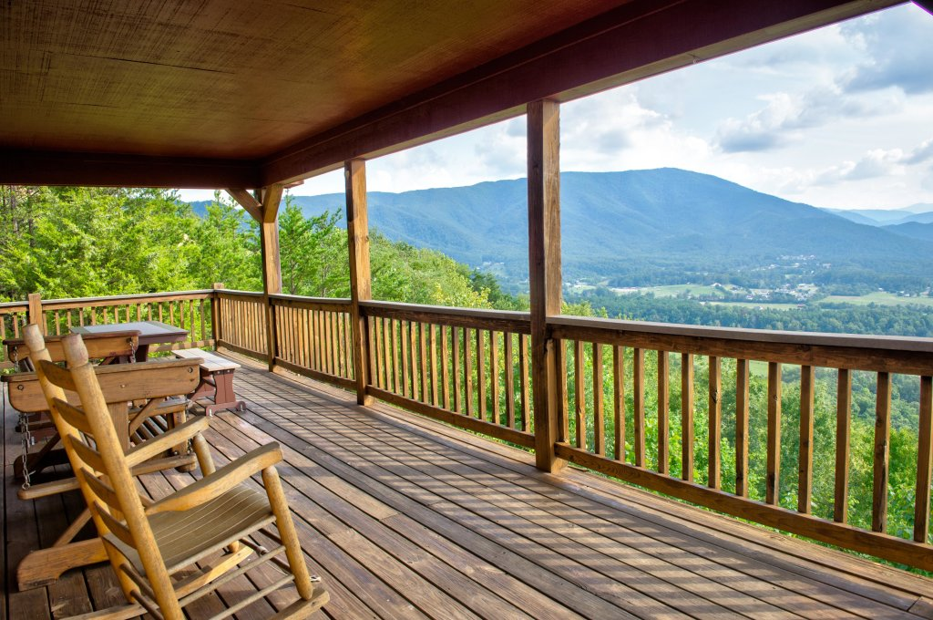 Photo of a Pigeon Forge Cabin named A View To Remember Cabin - This is the sixth photo in the set.
