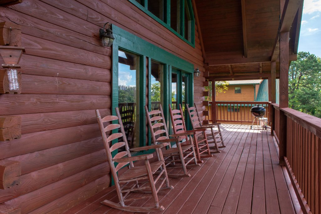 Photo of a Pigeon Forge Cabin named A Point Of View Cabin - This is the forty-second photo in the set.
