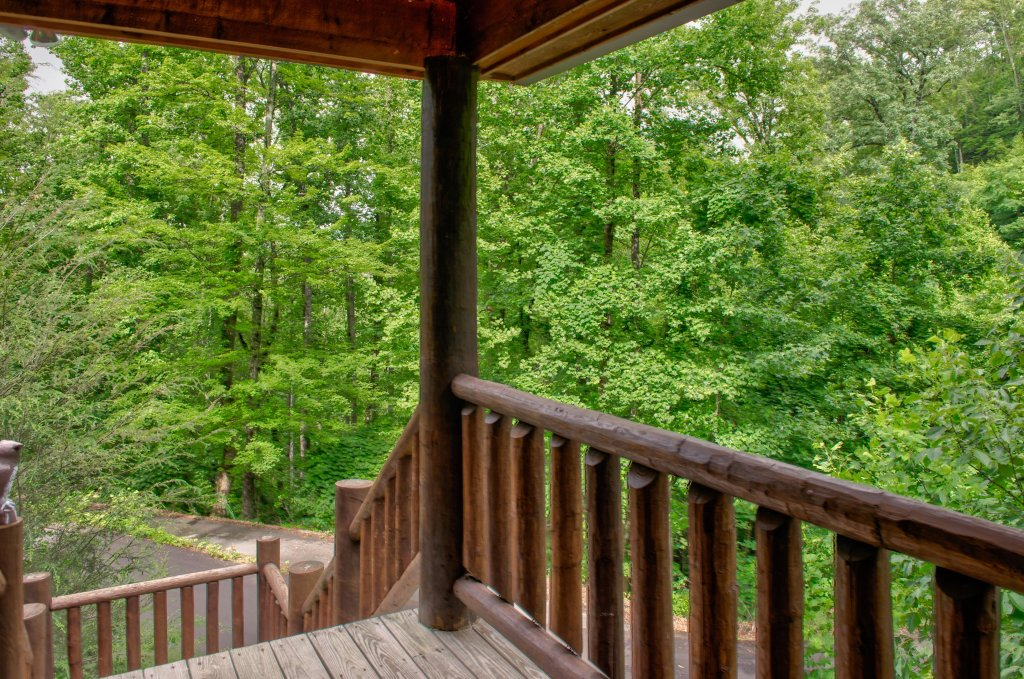 Photo of a Sevierville Cabin named Foxfire Cove Cabin - This is the fifth photo in the set.