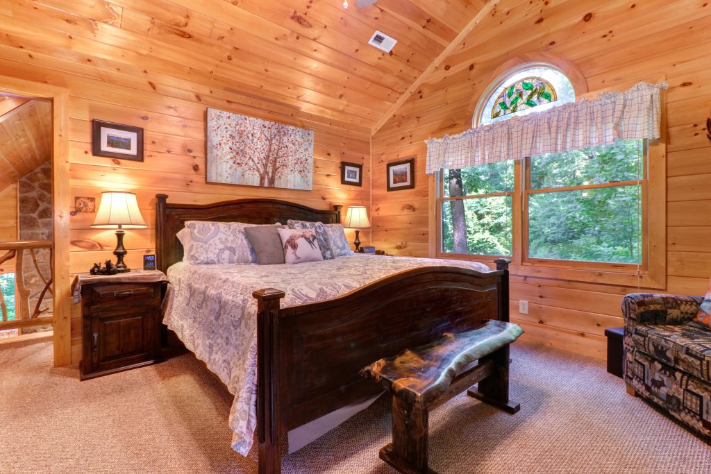 Photo of a Sevierville Cabin named Foxfire Cove Cabin - This is the thirty-second photo in the set.