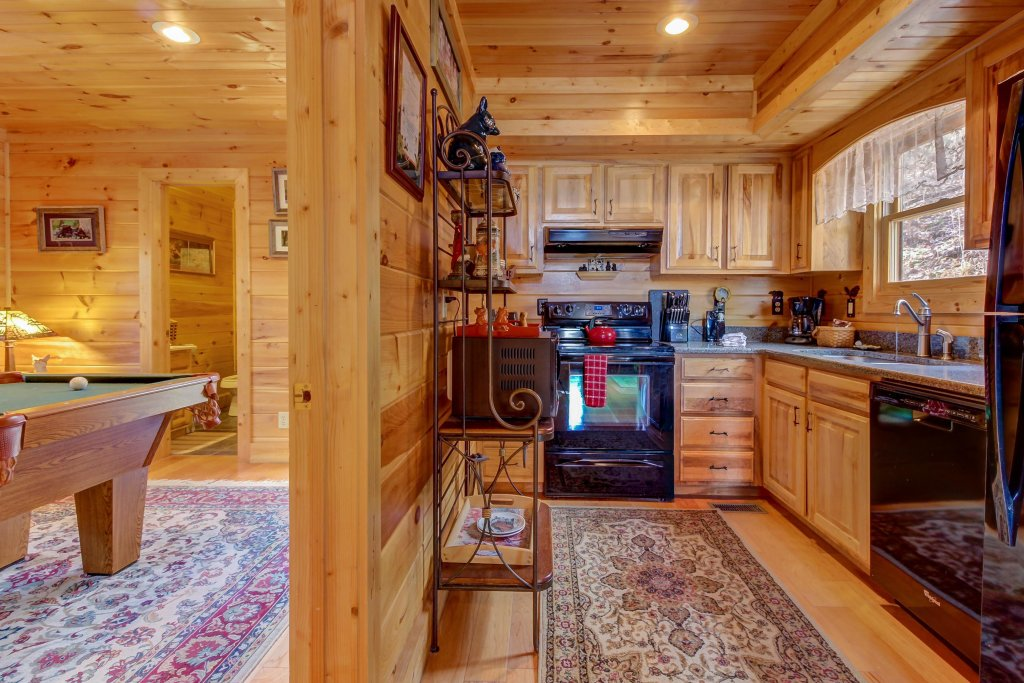 Photo of a Sevierville Cabin named Foxfire Cove Cabin - This is the eighth photo in the set.