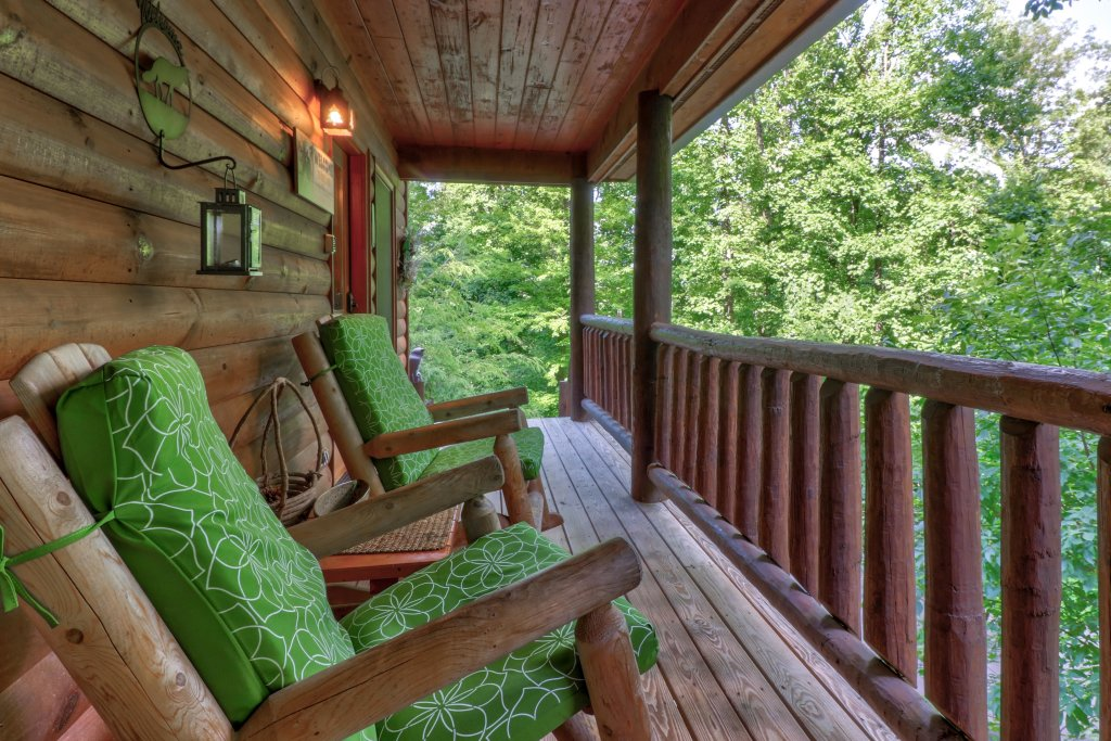 Photo of a Sevierville Cabin named Foxfire Cove Cabin - This is the sixteenth photo in the set.