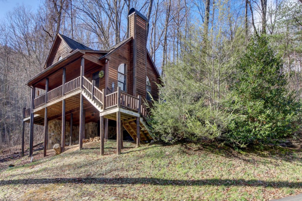 Photo of a Sevierville Cabin named Foxfire Cove Cabin - This is the eleventh photo in the set.